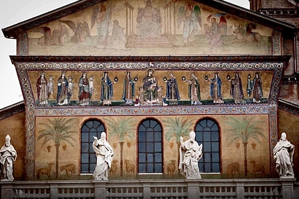 Trastevere S. Maria Fassade