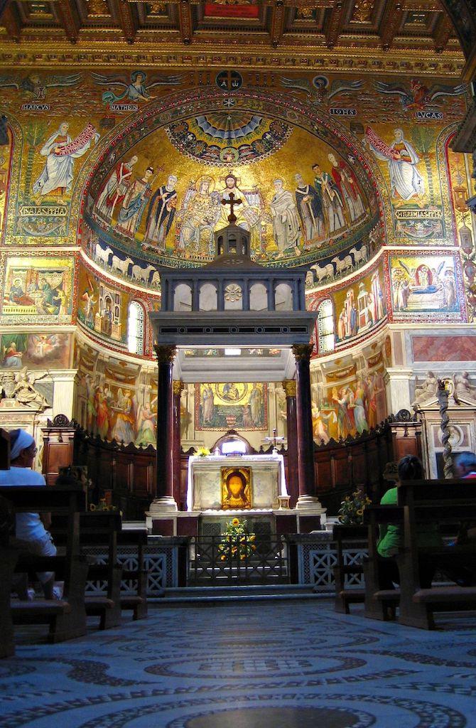 Trastevere S.Maria Inneres