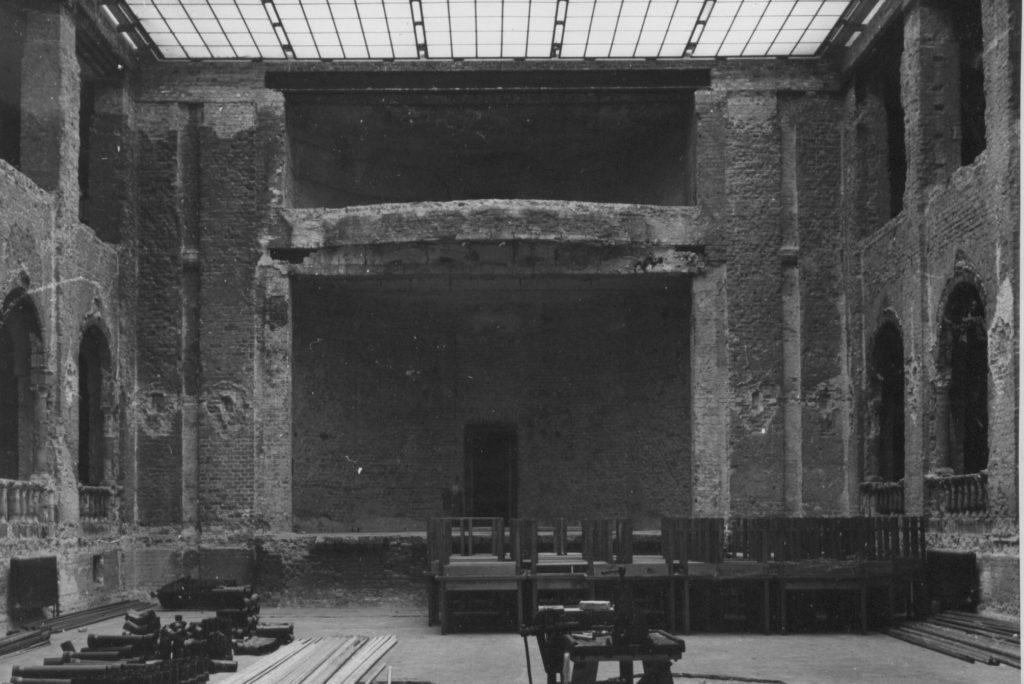 Aula nach dem Krieg
