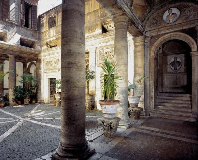 Rom Palazzo Massimo Hof