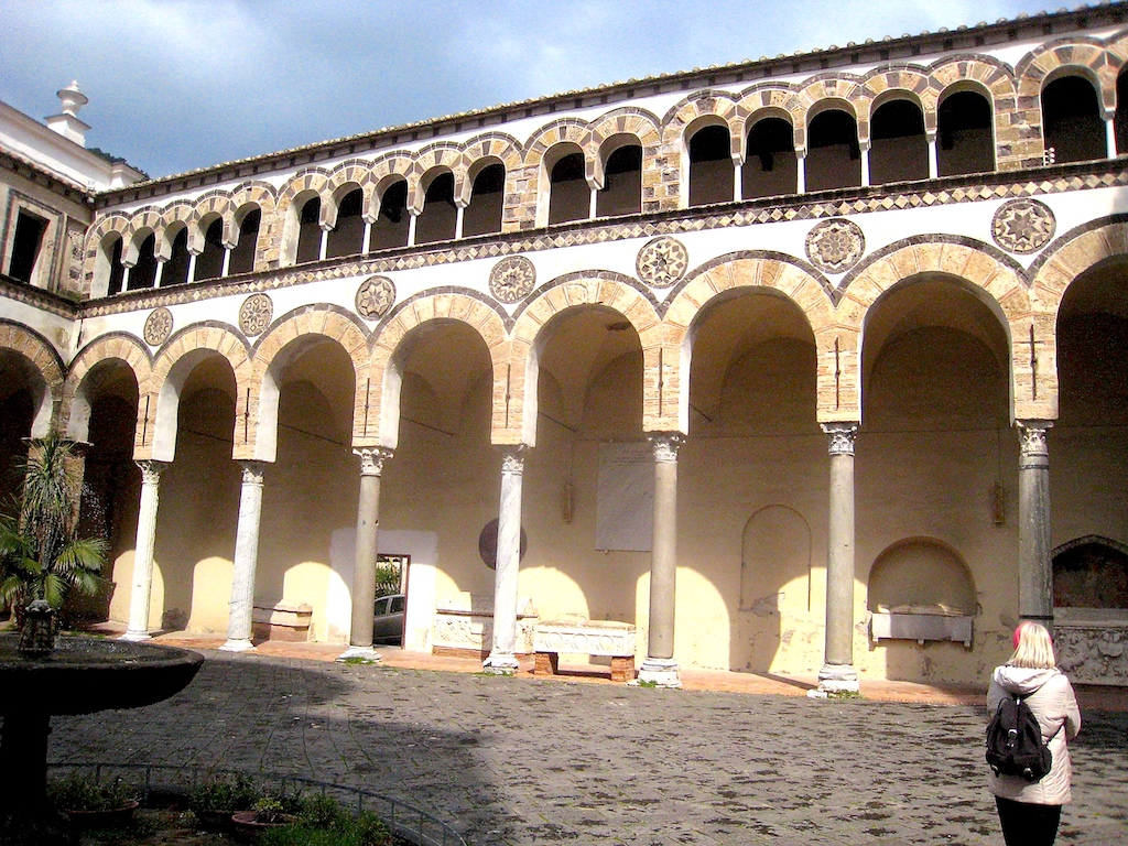 Salerno Innenhof2