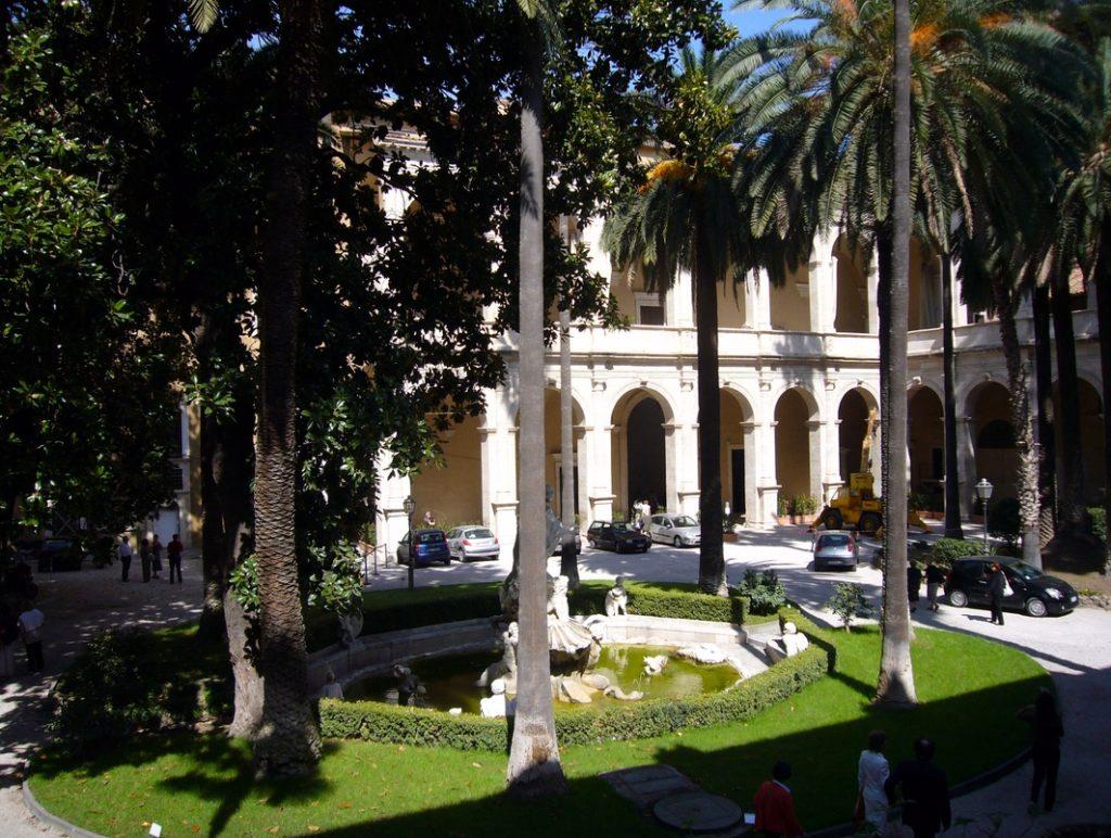 Rom Palazzo Venezia Loggia