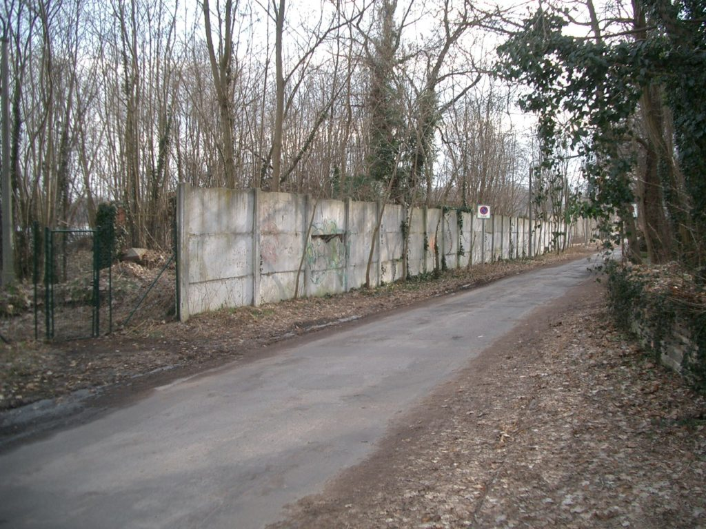 13 Mauer