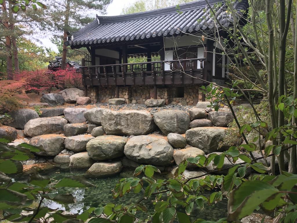 Koreanischer Garten, Haus